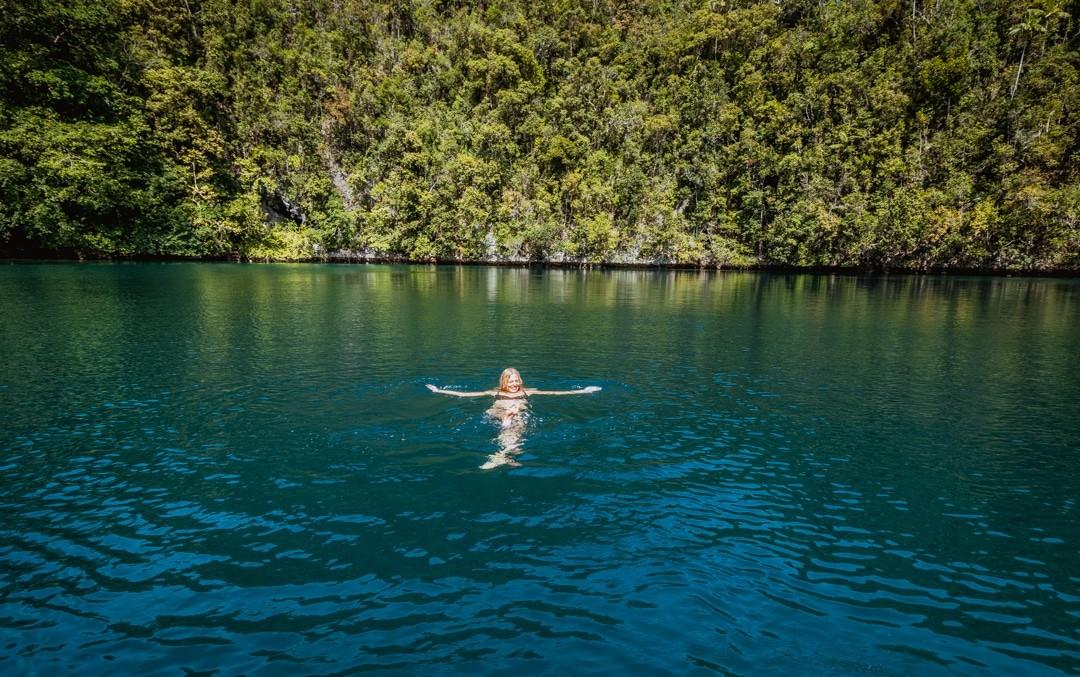 Ilike liveaboard cruise from Raja Ampat to Triton Bay - bat cave lagoon in misool