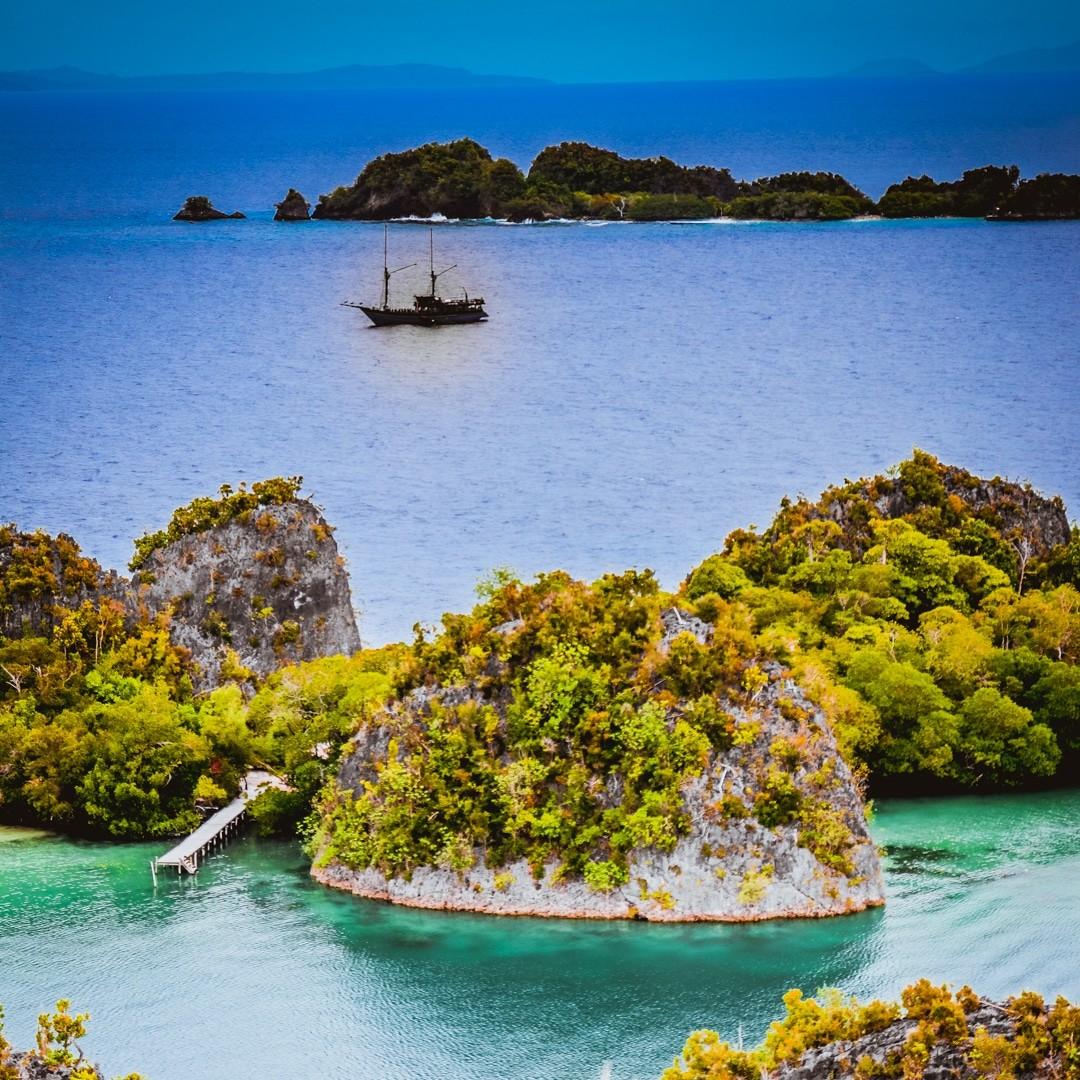 Ilike liveaboard to Kaimana - Ilike boat in Pyenemo lagoon