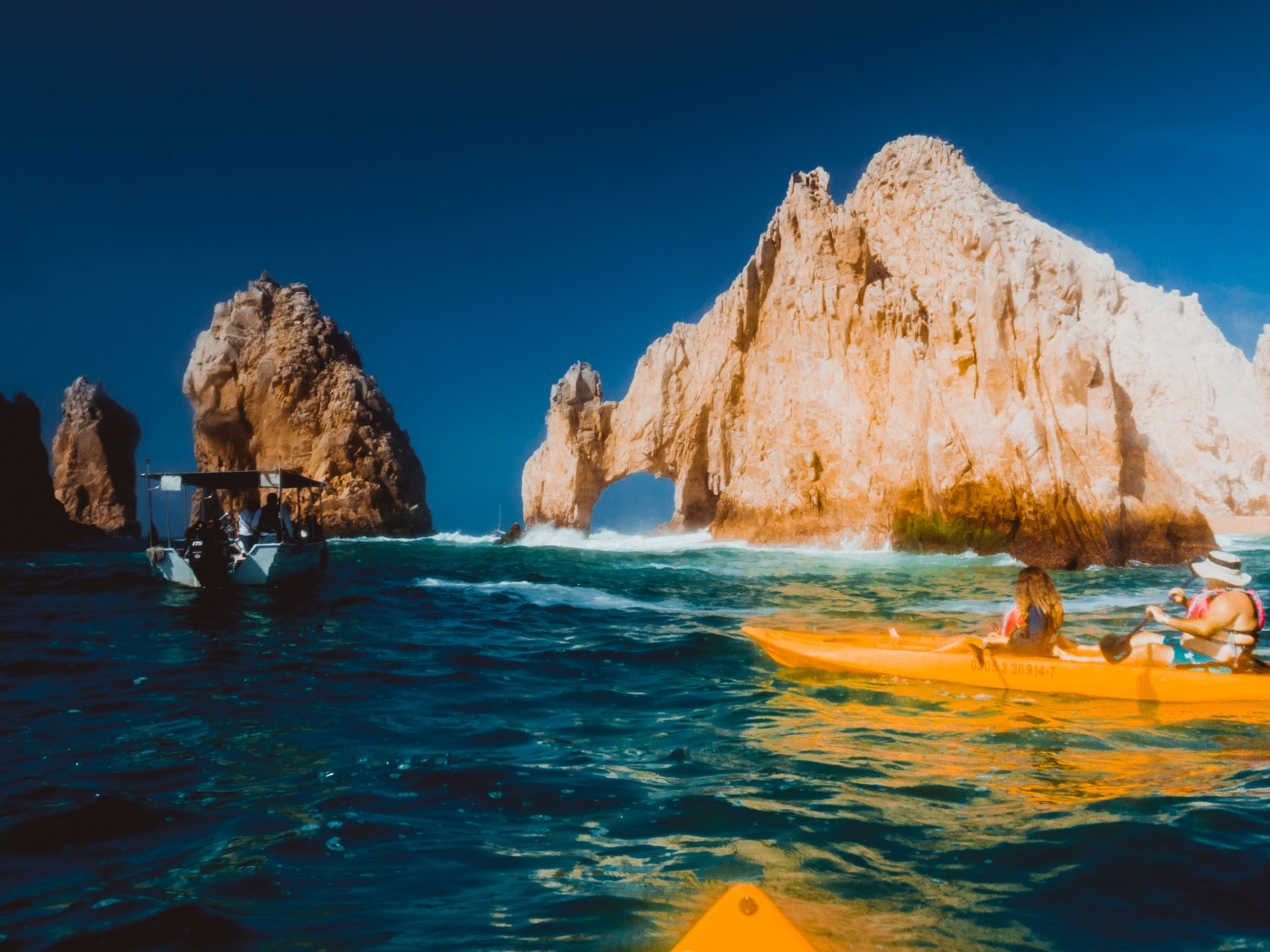 Kayaking tour with hightide in Cabos San Lucas