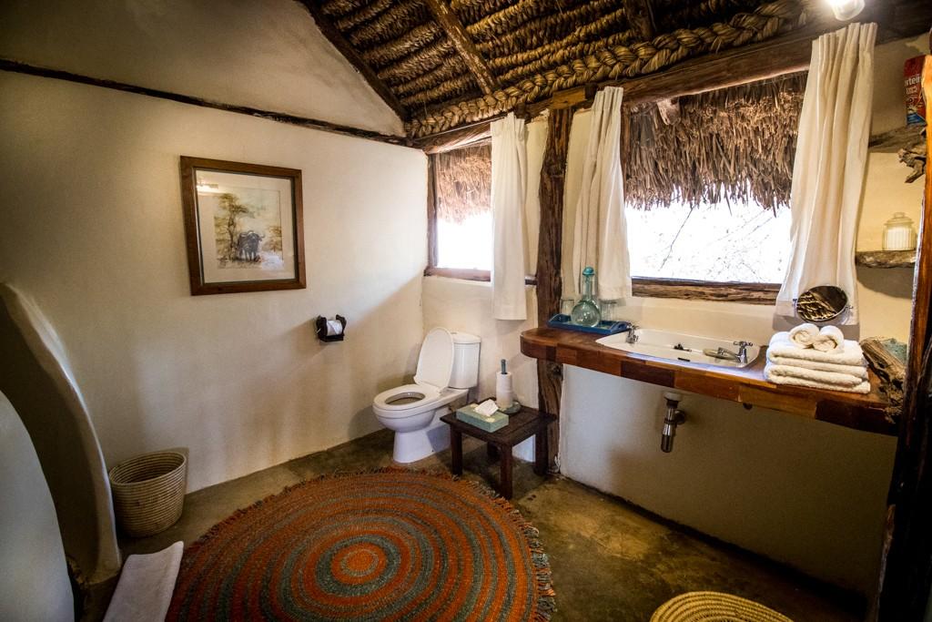 Lewa house review bathroom
